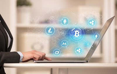 Business woman working on tablet with cryptocurrency bitcoin link network and online concept-1